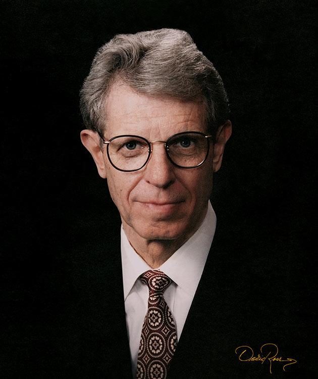 Al Ries - Profesional de Marketing y Cofundador y Presidente de la firma de consultoría Ries & Ries - David Ross - Fotógrafo de Consultores