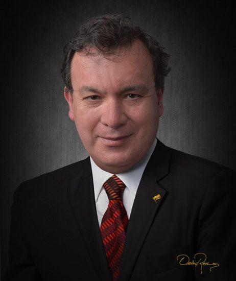 Carlos Villota Santacruz - Internacionalista, Comunicador Social y Periodista, Experto en Marketing Político - David Ross - Fotógrafo de Consultores