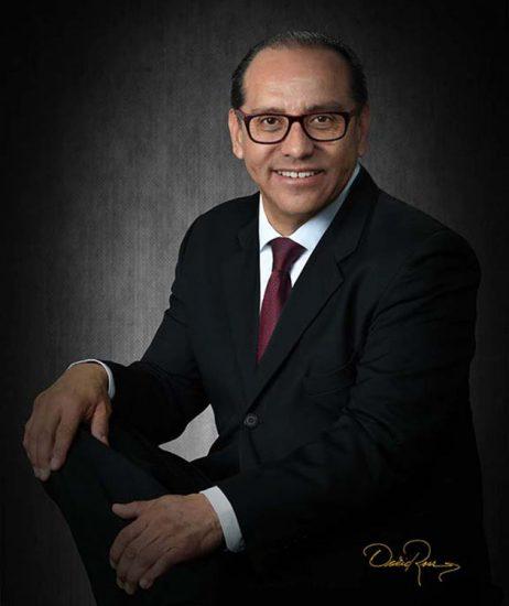 Guillermo Olivo - Presidente de Grupo Publicitario GOMI, Direct Bus - David Ross - Fotógrafo de Empresarios