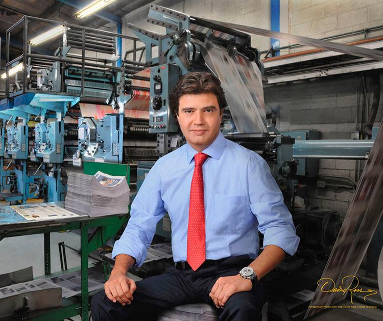 Manuel Arroyo Rodríguez - Presidente de COMTELSAT, Presidente Grupo Lauman, Presidente y Director General de El Financiero - David Ross - Fotógrafo de Empresarios