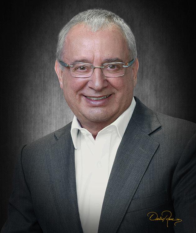 Mario Borghino - Escritor y Director General de Borghino Consultores - David Ross - Fotógrafo de Escritores