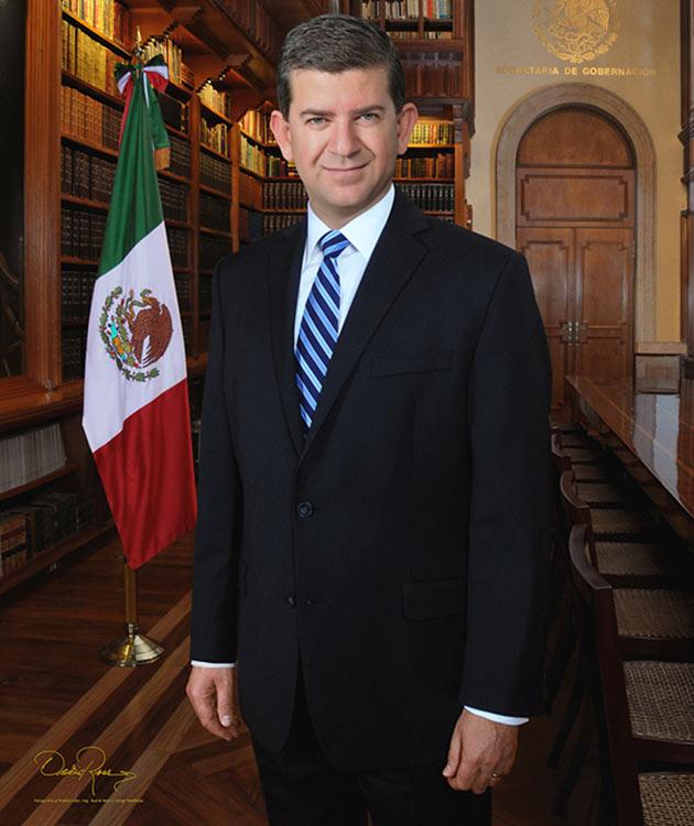 Oscar Vega Marín - Ex Secretario de Educación Estatal de Baja California 2007-2010 - David Ross - Fotógrafo de Funcionarios Públicos