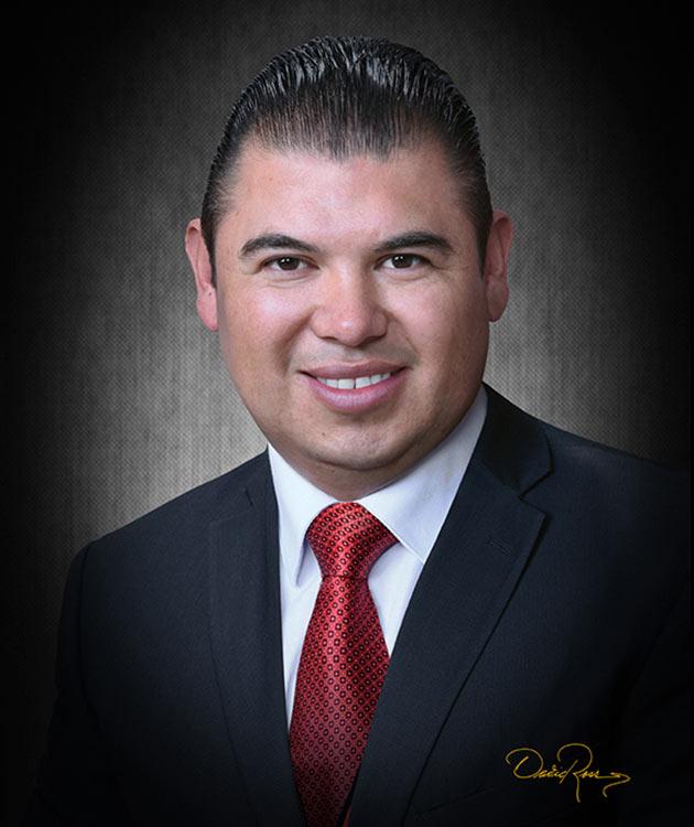 Víctor Manuel Ángeles - Consultor - David Ross - Fotógrafo de Consultores