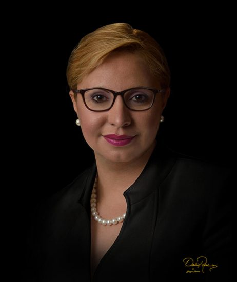 Wanda Nazario Cruz - Asesora y consultora de comunicaciones en política pública - David Ross - Fotógrafo de Consultores